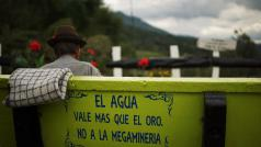 """""""Water is meer waard dan goud. Neen tegen megamijnbouw"""""""